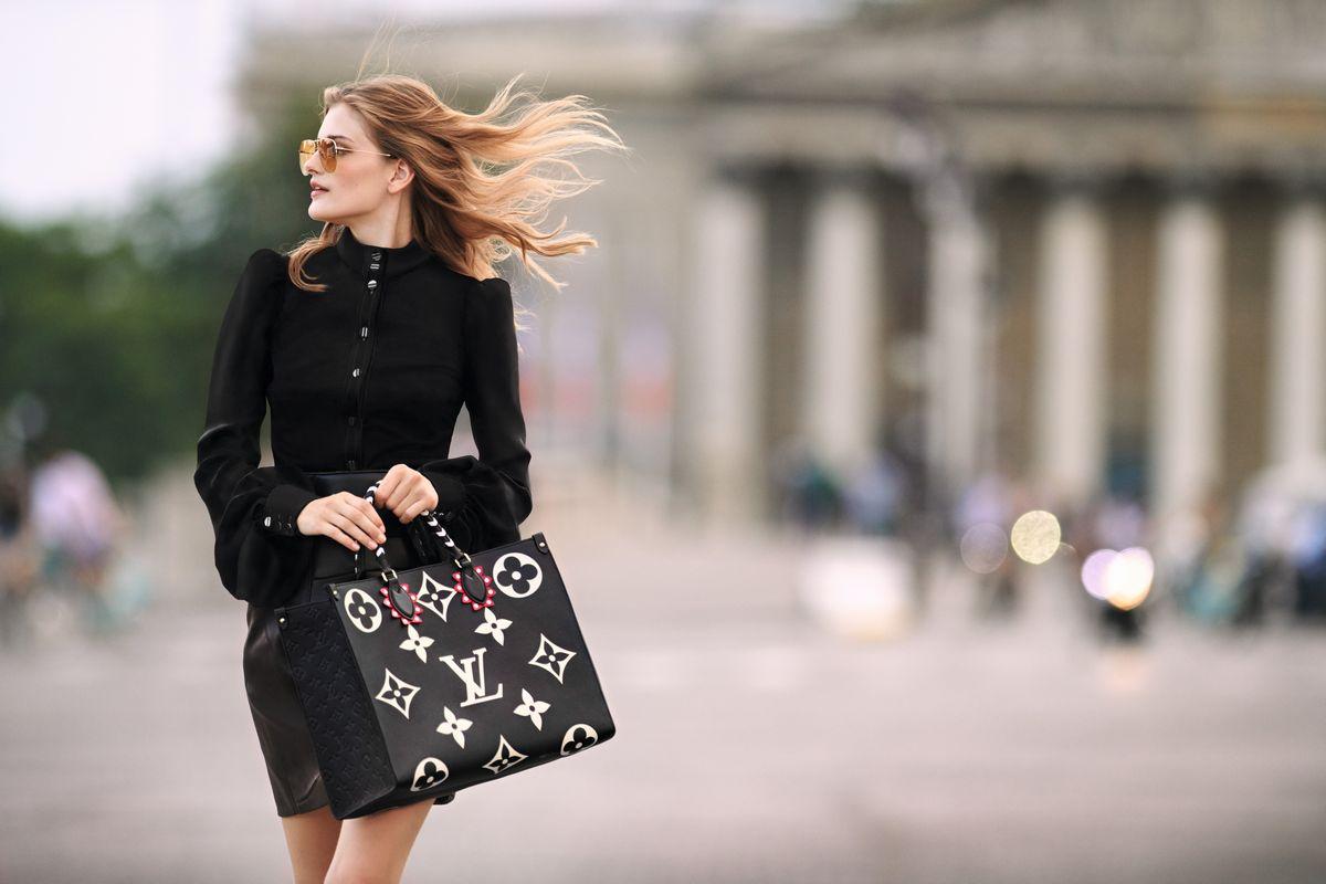 A Louis Vuitton egy elegáns és művészi kollekciót mutatott be